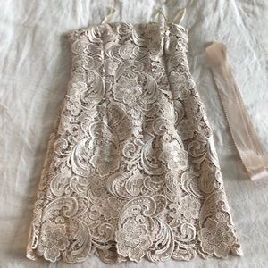 EUC Adrianna Papell Strapless Lace dress 8